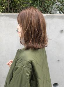 30代オススメ春ベージュ・ミディアムボブ(ビューティーナビ)