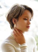 春のブロンドショート(髪型ショートヘア)