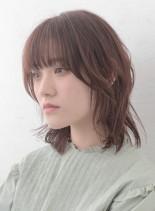 ミディアムボブレイヤー(髪型ミディアム)