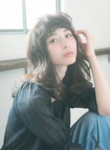 ゆるふわパーマスタイル(髪型セミロング)