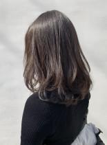 ミディアムベージュレイヤーワンカール(髪型ミディアム)