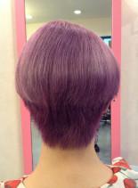 ピンクバイオレットカラー(髪型ショートヘア)
