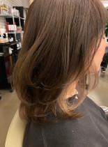インナーカラーミディアム(髪型ミディアム)