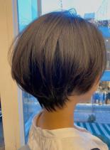 おとな可愛いハンサムショート(髪型ショートヘア)