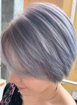 透明感◎グレーアッシュショート(髪型ショートヘア)