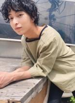 レトロリッジパーマ黒髪大人ミディアム(髪型メンズ)