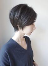 40代50代からの大人の前下がりショート(髪型ショートヘア)