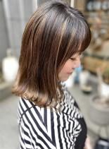 カラーの引き立つ!切りっぱなし外ハネボブ(髪型ミディアム)