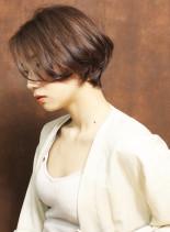 横顔美人なショートヘア(髪型ショートヘア)
