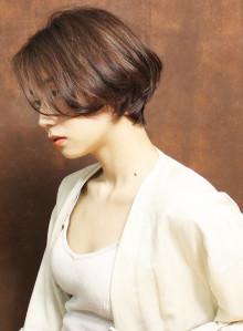 横顔美人なショートヘア(ビューティーナビ)