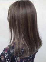 艶髪☆ハイライトカラー(髪型セミロング)