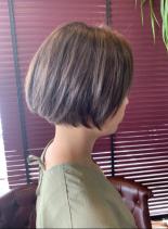 ミニボブ(髪型ショートヘア)