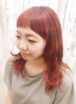 オン眉レッドカラー(髪型ミディアム)