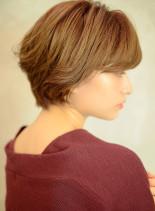 明るめベージュでまとまりあるショートボブ(髪型ショートヘア)