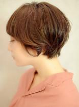 ラフな動きが可愛い柔らかアッシュショート(髪型ショートヘア)