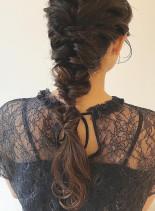 ロングヘアの大人編み下ろしアレンジ(髪型ロング)
