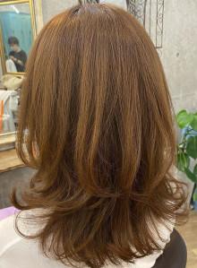 オトナ女子の艶髪ミディ