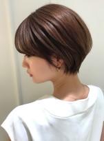 大人綺麗な美シルエットショートヘア