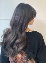 透け感×柔らかグレージュグラデーション(髪型ロング)