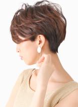艶カラーのウェーブパーマショート(髪型ショートヘア)