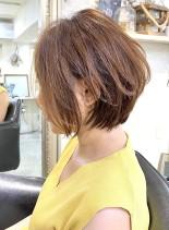 前下がりレイヤーボブ(髪型ショートヘア)
