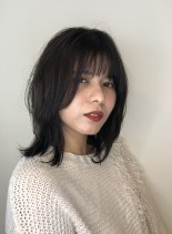 ウルフミディアムレイヤー(髪型ミディアム)