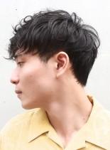 くせ毛ニュアンスパーマ×ツーブロック(髪型メンズ)