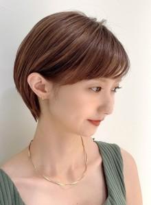 耳に掛けても可愛い☆小顔ショートヘア(ビューティーナビ)
