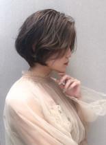 大人上品な美フォルムショートスタイル(髪型ショートヘア)