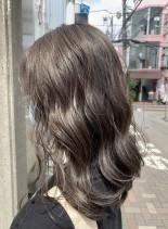 ゆるふわグレージュカラー(髪型セミロング)