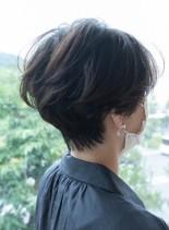 トップのボリューム毛流れの美しいショート(髪型ショートヘア)