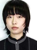 短いザクザク前髪の個性的なショート(髪型ショートヘア)