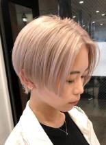 ホワイトショートカット(髪型ショートヘア)
