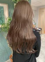 ミルクティーアッシュロング(髪型ロング)