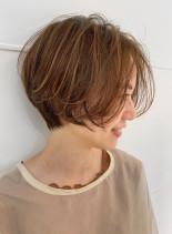 ハイライトブレンドで立体感ショートボブ(髪型ショートヘア)