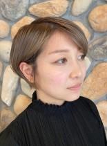 グラデーションボブ・グレーベージュ(髪型ショートヘア)