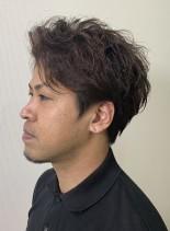 クセを生かしたウエーブスタイル(髪型メンズ)