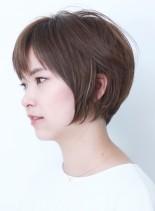 透明感のある大人の小顔ショートスタイル(髪型ショートヘア)