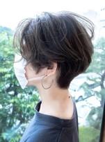 毛流れ、束感の美しいショートスタイル
