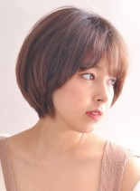 丸みの綺麗な大人ショートスタイル(髪型ショートヘア)