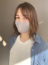ウェーブ風ロングボブ(髪型ミディアム)