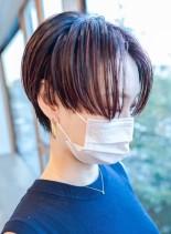 ぱつっとフラットなラインの個性派ショート(髪型ショートヘア)