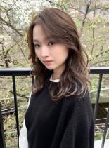 ゆるウェーブミディアム(髪型セミロング)