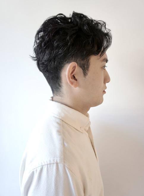刈り過ぎないツーブロック大人黒髪ショート(ビューティーナビ)