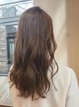 ふんわりブラウンベージュ(髪型ロング)