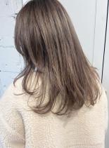 透明感たっぷりミルクティーベージュ(髪型ロング)