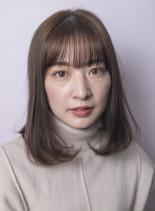 大人ナチュラルミディアムスタイル(髪型ミディアム)