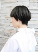 どこから見ても外国人風なショートカット(髪型ショートヘア)