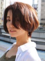 大人女性のハンサムショート(髪型ショートヘア)