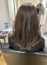 ふんわりレイヤーミディアム(髪型セミロング)